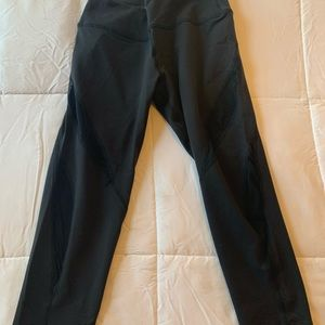 Beyond Yoga black mesh panel leggings cropped S/M
